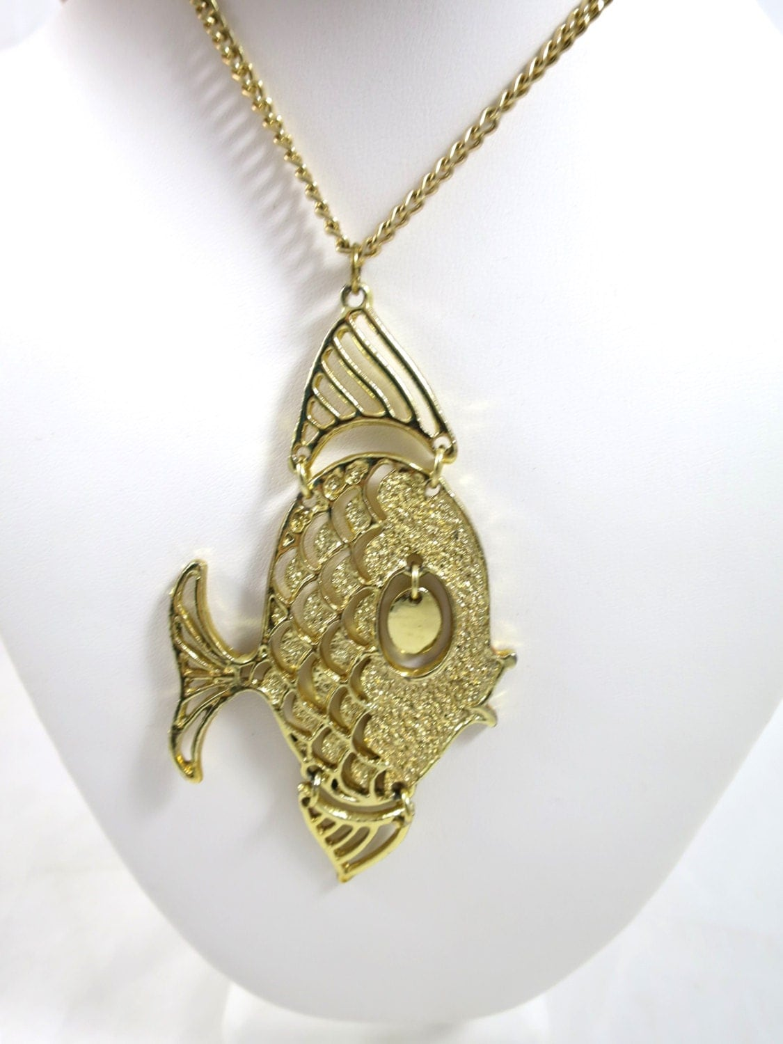 Vintage gold fish pendant necklace by bonniesvintageattic for Gold fish charm