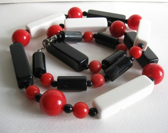 l960s Mod Black, White and Red Plastic Necklace