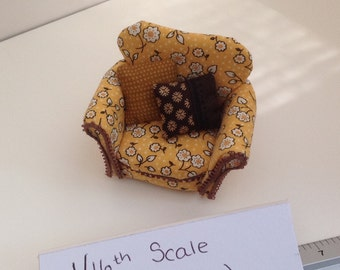 Dolls House Miniatures - 1/16th Armchair