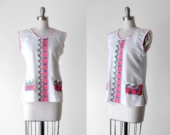 70's southwestern tank. 1970's white blouse. pink embroidered top. 1970 boho blouse. large.