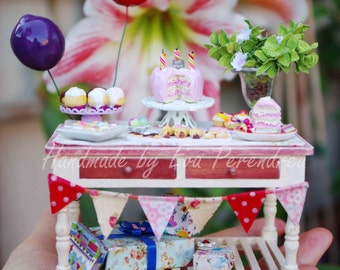 Mini Birthday party table in 1 inch scale (1/12th)