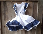 vintage girls pinafore dress // white and navy blue polka dot dress // vintage flower girl dress // little girls size 5