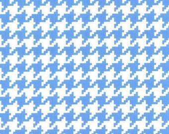 Mini Giraffes Houndstooth Blue for Michael Miller, 1/2 yard