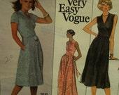 "70s Diane Von Furstenberg Wrap Dress Pattern, V-Neck, Sleeveless/Short Sleeves, Fitted Bodice,Vogue American Designer 1610 Size 8 Bust 31.5"""