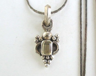 925 Sterling Silver Pendant Necklace - Faceted Stone with Grape Pattern