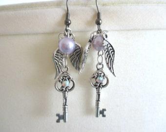 Sailor Moon Earrings - Sailor SATURN key & wing earrings - Sailor Scout Gear
