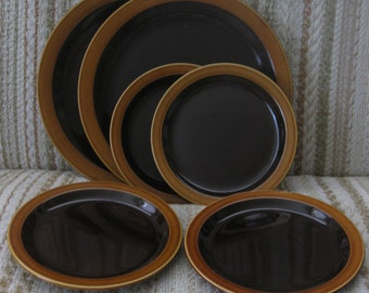 A Set of Two Dinner Plates and Four Salad Plates in Hornsea's Bronte Pattern