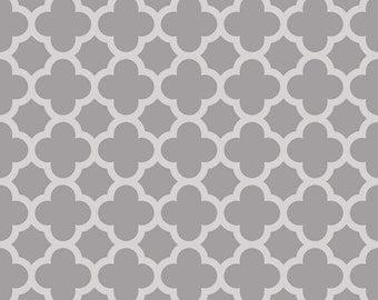 Riley Blake Fabric - 1 Yard of Sparkle Gray Quartrefoil