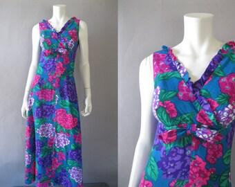 Vintage 1960s Maxi Dress - Sample Shop Waikiki - Long 60s Floral Print Hawaiian M