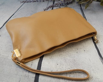 Stunning Vintage CLEMENTE Clutch ~Supple Camel Leather ~ Gold Accent---PRISTINE Evening Leather Clutch