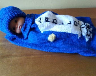Knitting pattern for Apollo baby cocoon and hat set .