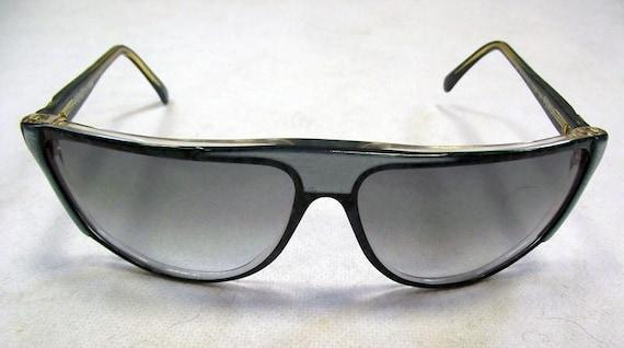 26a9e7d23c Items similar to Ladies Original Designer Vintage Fendi Sunglasses with  Fendi Case on Etsy