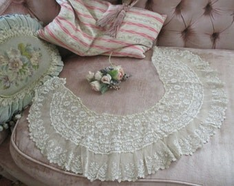Antique Victorian Woman's Tambour Embroidered Lace Collar Capelet S114