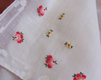 Lovely Vintage Solid White Embroidered Hankie Handkerchief