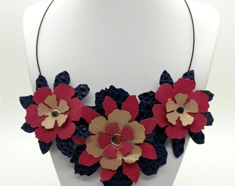 Leather Flowers Bib necklace and earrings set.