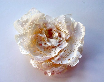 SALE 30% - Use coupon code 302015AUG || Fabric brooch - hair accessory in ivory