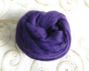 Merino Wool for Wet Felting Needle Felting Purple Lilac 25g
