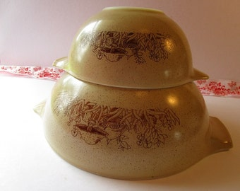 Vintage 2' Piece, 'Pyrex' mixing bowls with 'Merry Mushroom' pattern!