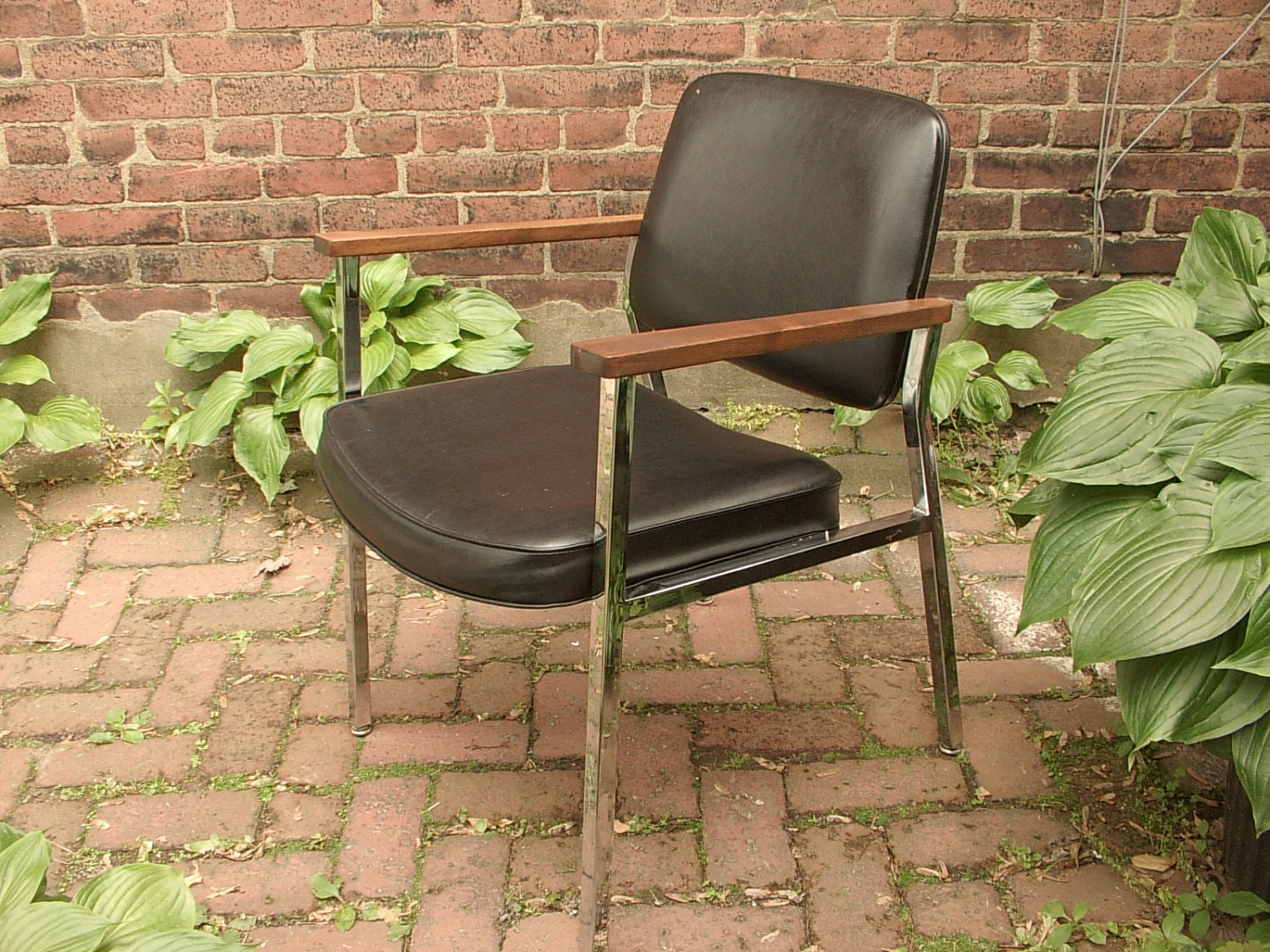 Vintage 1960u0027s Union Chrome Office Chair, Mid Century Modern Chair, Black  Leather Chair, Wood And Metal Arm Chair, Living Room Chair
