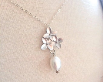 Silver Necklace, Pearl Necklace, Orchid Necklace, Bridal Necklace, Bridesmaid Jewelry, Bridesmaid Gifts, Birthday Gifts, Girlfriend Gift