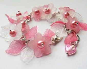 Floral charm bracelet - Pink & white flowers, leaves, pearls, heart