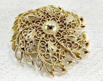 Vintage CROWN TRIFARI Brooch Pin, Gold Filigree Flower Brooch, 1970s Vintage Costume Jewelry, High-End Designer Jewelry, Gift for Grandma
