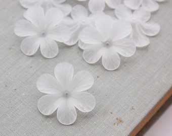 30mm Frosted White Lucite Flowers - Dyeable