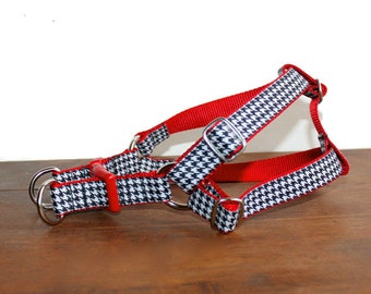 Dog Harness. Houndstooth Dog Harness available in different colors