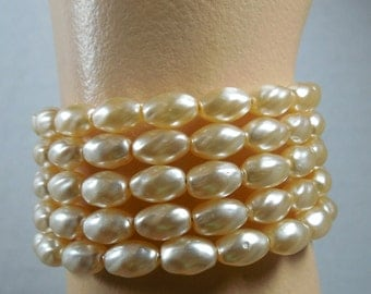 Vintage OLD/NEW Stock Pearlized Glass Beads, Pearl Wrap Around Bracelet, Pearl Bracelet Memory Wire Bracelet, Pearlized 70s Stock