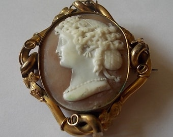 Antique Victorian Big Cameo Brooch Pin Pinchbeck - WOW