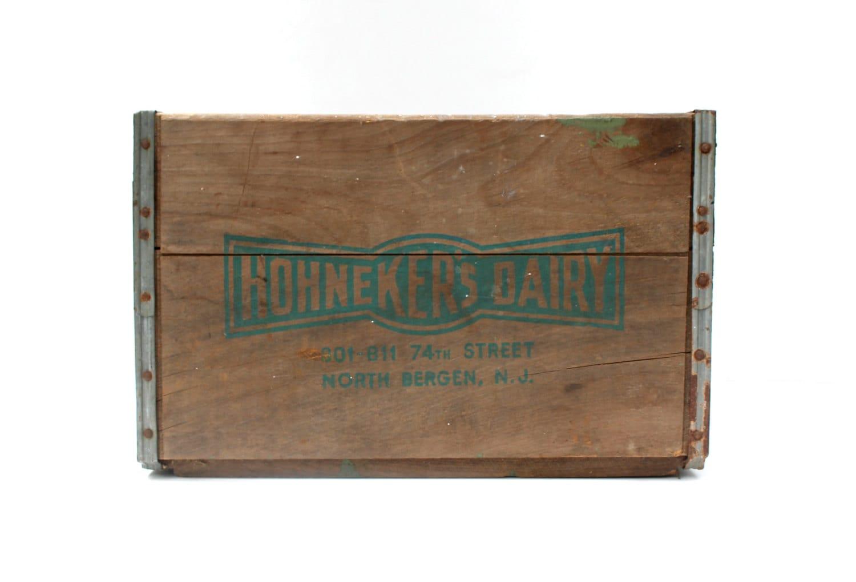 Wooden Milk Crate U2013 Vintage Storage U2013 Hohnekeru0027s Dairy U2013 North Bergen, NJ U2013  Metal Detail