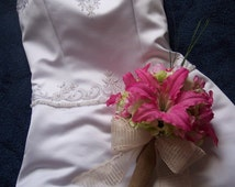 Burlap. pink, and green burlap wedding bouquets corsages buttonnieres