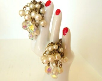 Vintage Rhinestone Shaggy Dangle Adjustable Screw Back Earrings Pearl Aurora Borealis Gold 50's (item 206)
