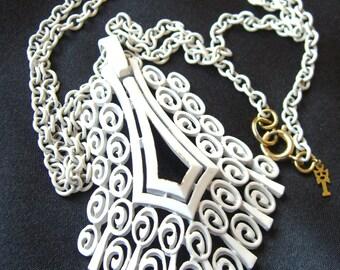 Vintage Trifari Necklace, White Enamel 1970s Retro Mod Estate Jewelry, Crown Trifari Metal Hang Tag