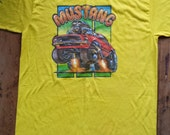 Vintage Rare Roach 1976 Banana Yellow XL Rocker Thrillbilly Mustang Car Iron On TShirt