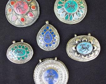 Lot of 6 Afghan Kuchi Tribal Vintage Carved Pendants Jewelry Making Supplies Uber Kuchi