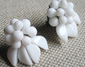 Vintage 1950s White Milk Glass Bead Earrings Clip On MIW Germany