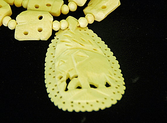 Vintage NECKLACE Hand CARVED BONE W/ Elephants and Large Elephant Pendant, Art Deco Ca 1930-50s, Exc. Condition, Free Shipping !