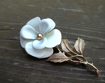 Avon White Enamel Stemmed Flower Brooch Pin Vintage Signed