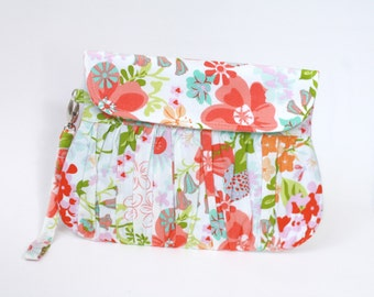 Summer Clutch, Flowers in coral and green clutch purse, pleated wristlet, gathered clutch