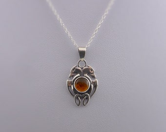 Celtic Pendant with Amber