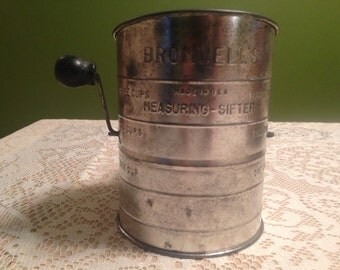SALE: Vintage Bromwell's 3 cup Flour Sifter