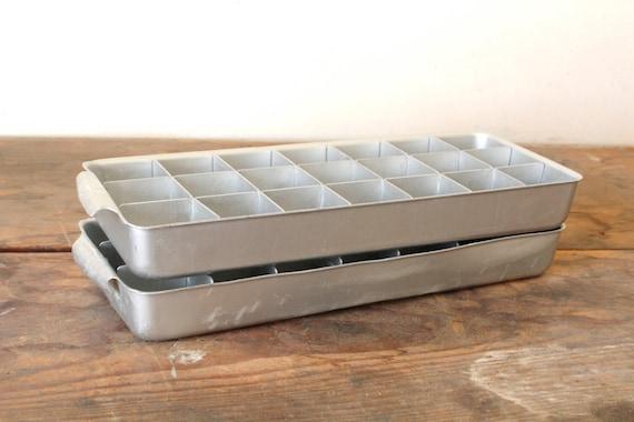 mid century metal ice cube trays set of 2. Black Bedroom Furniture Sets. Home Design Ideas