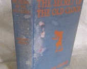"""Vintage book """"The Secret of the Old Clock"""" by Carolyn Keene"""