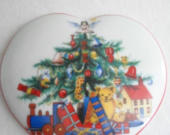 Vintage RUETTER PORZELLAN Christmas Lidded Heart Trinket Dish - Germany