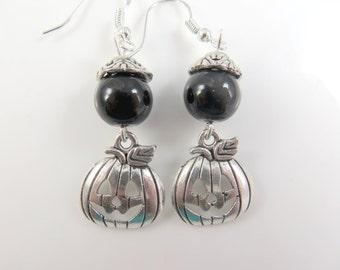 Silver pumpkin halloween earrings