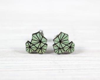 """White """"geometry blossom"""" wood earrings light olive"""
