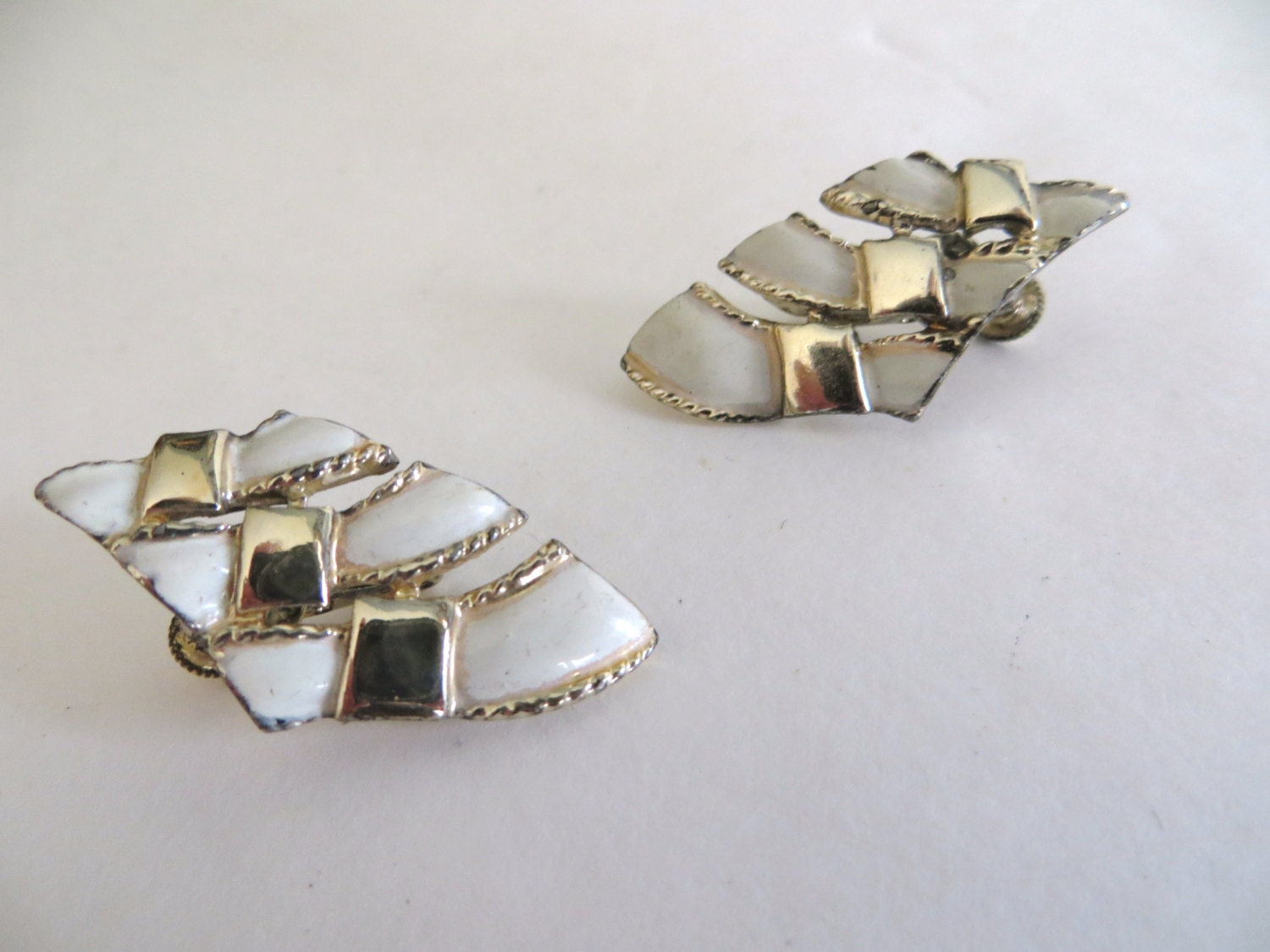 vintage womens earrings 70s costume jewelry womens