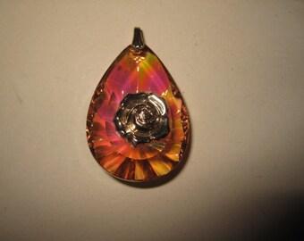 1 Vintage Lucite pendant height 4,5 cm excellent condition