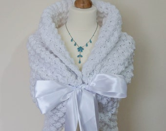 White Bridal Cape, Wedding Wrap, Bridal Shrug, Bridal Wrap, Rustic Wedding Capelet, Bolero Shawl, Fall Wedding Jacket, Bridesmaids Wrap